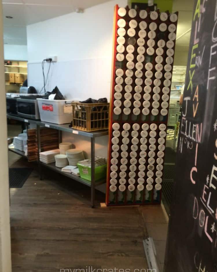 Tea shop – rare gold crate