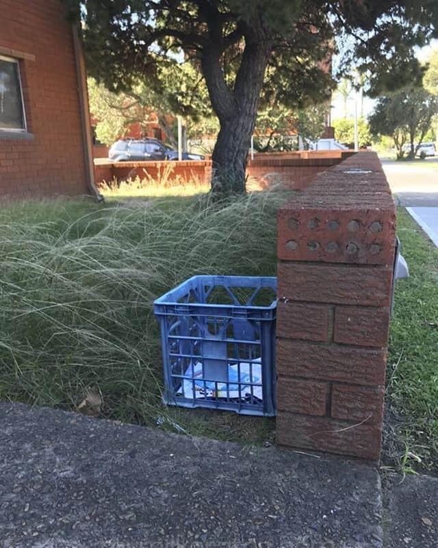 Rubbish crate