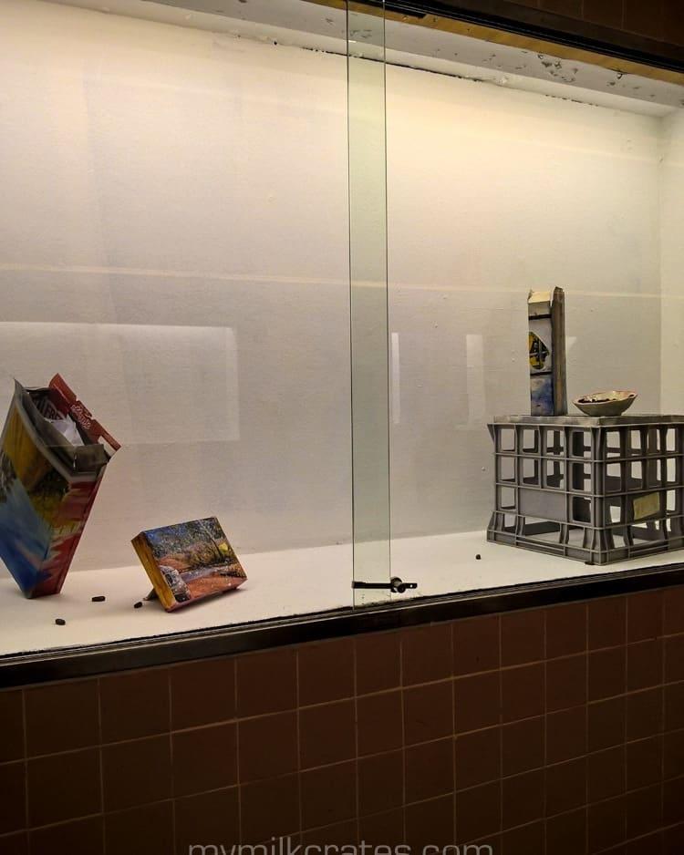 Modern art crate